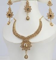 Stylish Golden Necklace Set For Girls (PS-306) Price in Pakistan