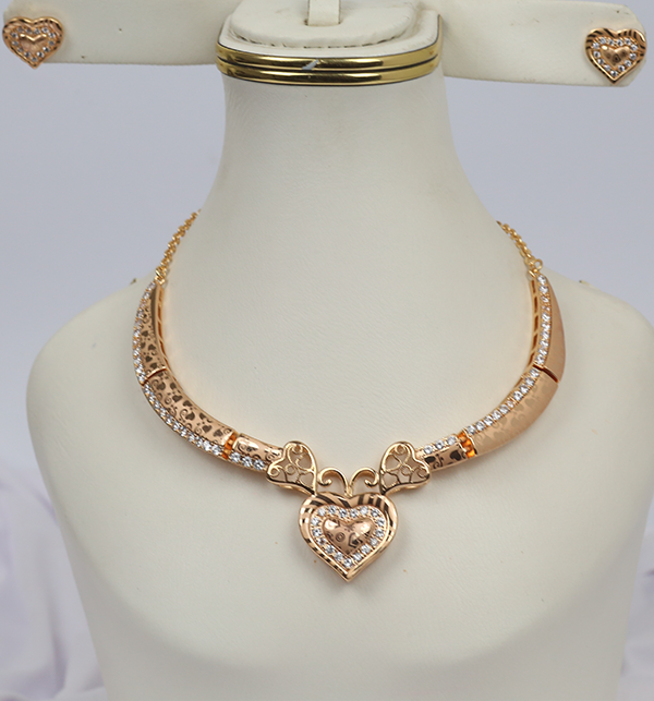 Stylish Zircon Heart Neacklace Set For Women With Earrings (PS-236)